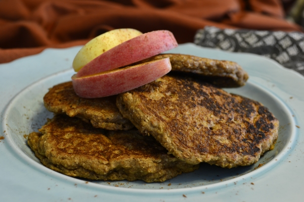 Apple Cinnamon Bran Pancakes